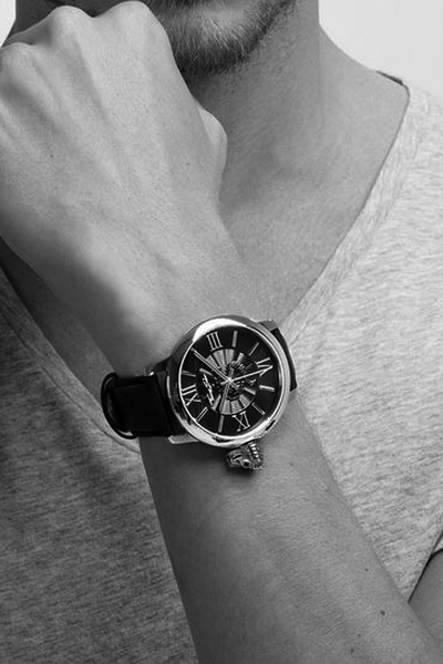 hombre-reloj-byn